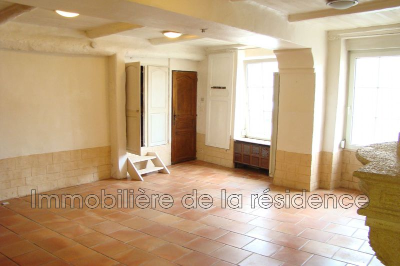 Photo Appartement Rognac Centre-ville,  Location appartement  2 pièces   70 m²