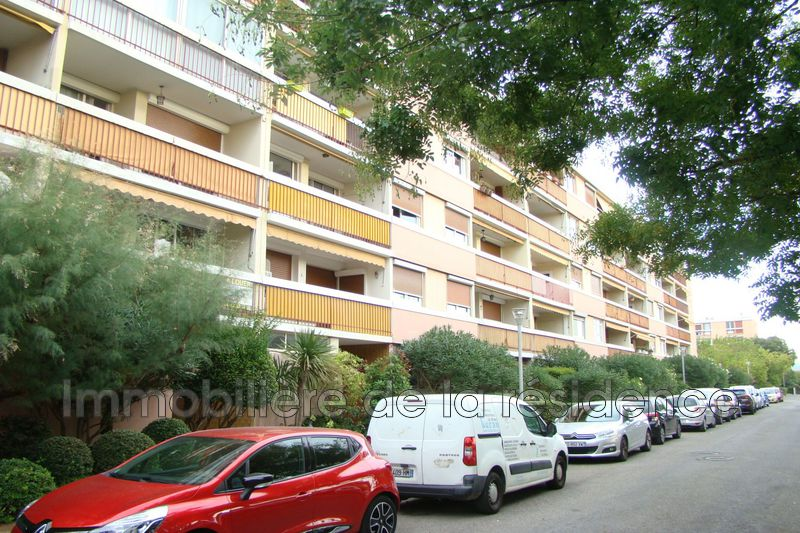 Photo Appartement Marignane La signore ,  Location appartement  1 pièce   31 m²