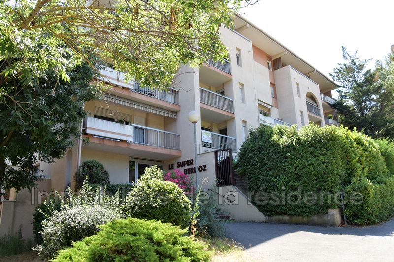 Photo Appartement Aix-en-Provence Vasarely,  Location appartement  4 pièces   76m²