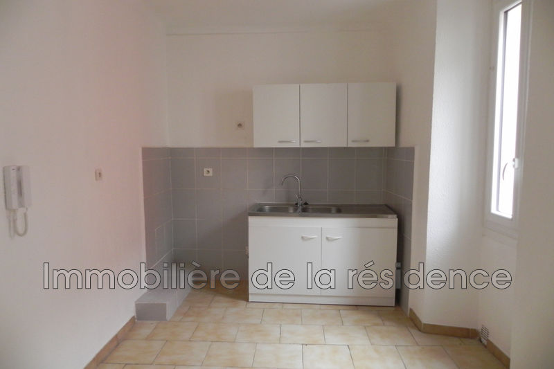 Photo Appartement Marignane Centre-ville,  Location appartement  1 pièce   19 m²