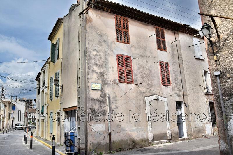 Photo Appartement Marignane Centre-ville,  Location appartement  1 pièce   19m²
