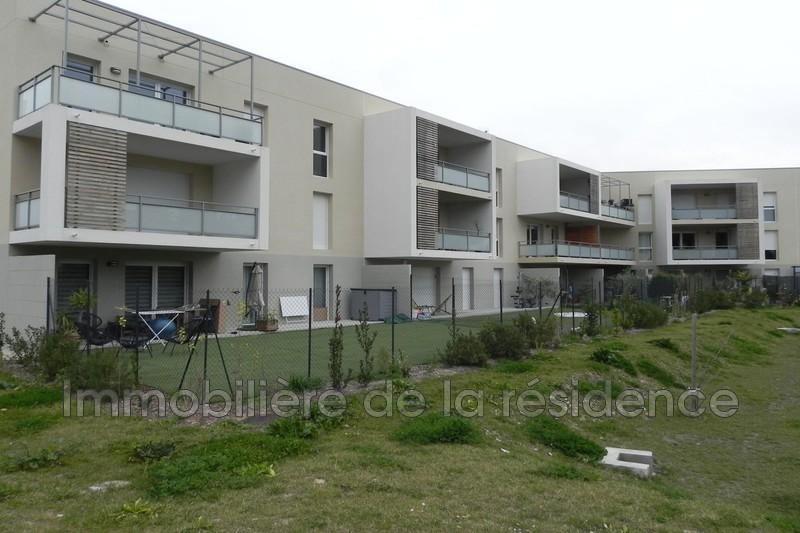 Photo Appartement Gignac-la-Nerthe  Location appartement  3 pièces   62m²
