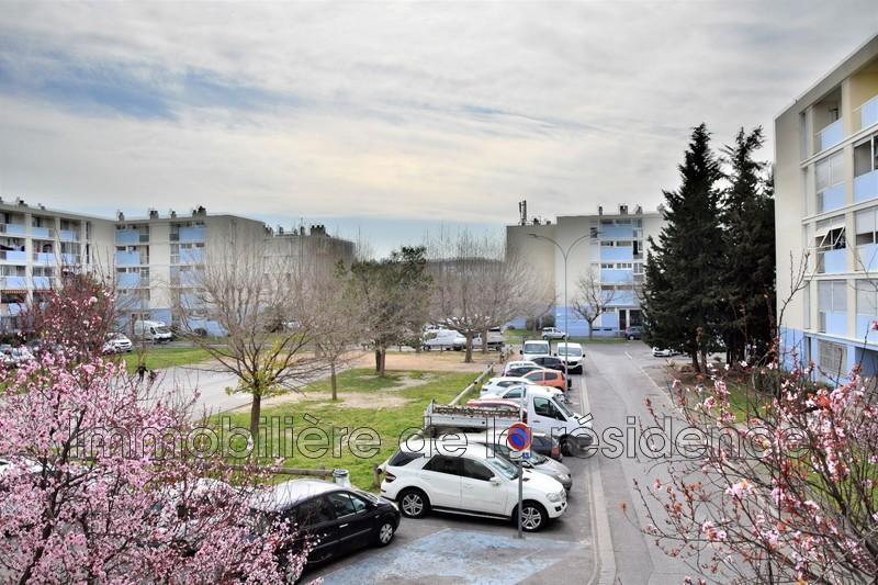 Photo Appartement Marignane Centre-ville,  Location appartement  3 pièces   60m²