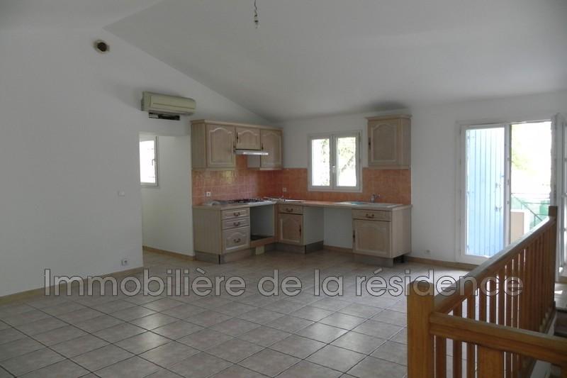 Photo Appartement Marignane Centre-ville,  Location appartement  2 pièces   49m²
