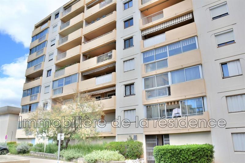 Photo Appartement Vitrolles Centre-ville,  Location appartement  2 pièces   59m²