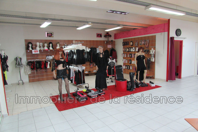 Photo Local professional Vitrolles Rn 113 les cadesteaux,  Occupational local professional   109 m²