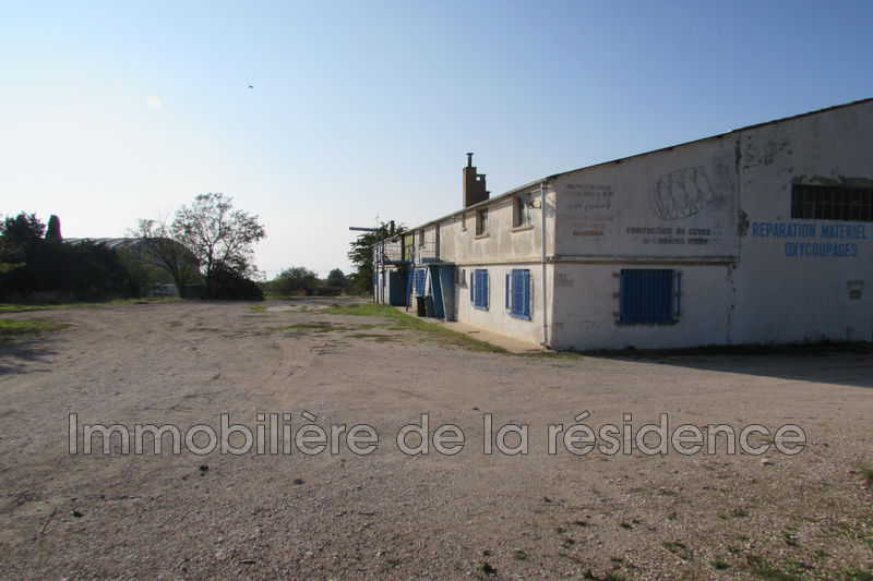 Photo Local professional Vitrolles  Occupational local professional   1462 m²