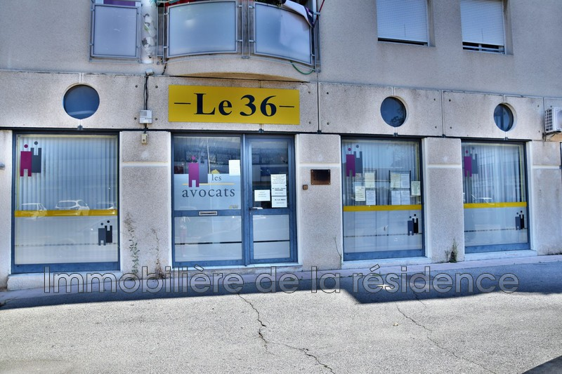 Photo Local professionnel Vitrolles Centre-ville,  Professionnel local professionnel   93m²