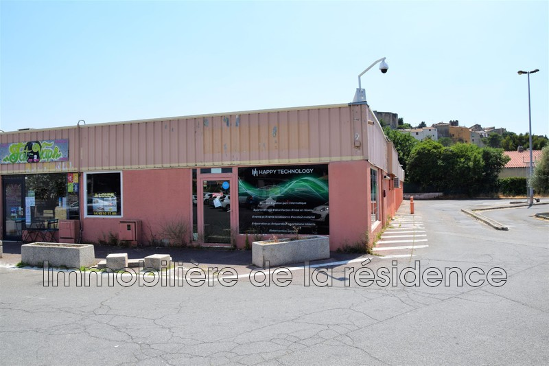 Photo Local professional Lançon-Provence Centre commercial,  Occupational local professional   63m²
