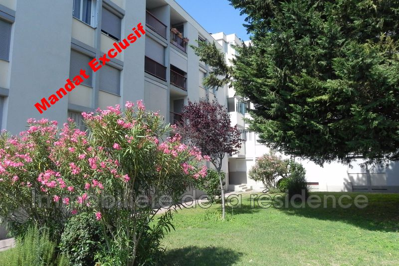 Photo Apartment Marignane Centre-ville,   to buy apartment  5 rooms   82 m²