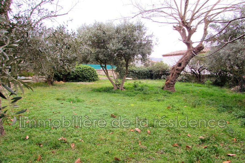 Photo Land Rognac Centre-ville,   to buy land   425 m²