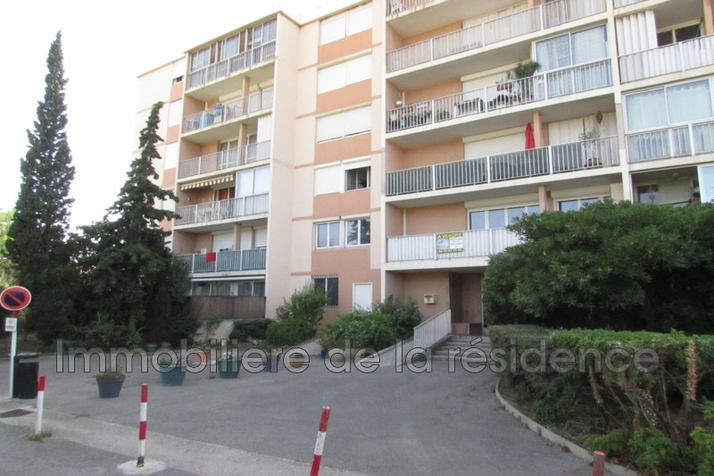 Photo Apartment Rognac Centre-ville,   to buy apartment  3 rooms   65 m²