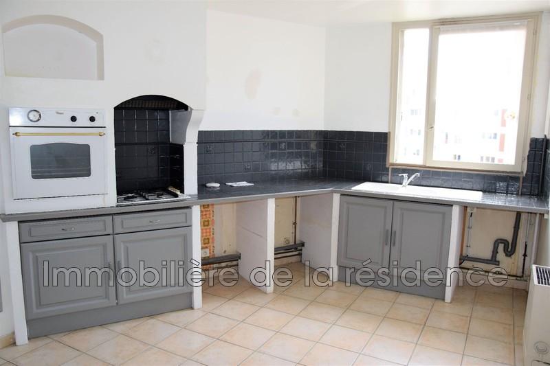 Photo Appartement Rognac Centre-ville,   achat appartement  4 pièces   83m²