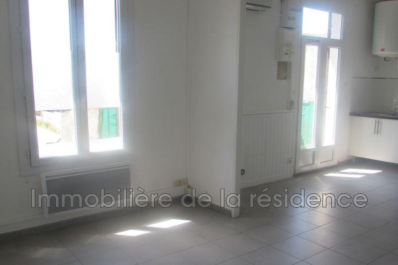 Photo Appartement Rognac Centre-ville,  Location appartement  2 pièces   42m²