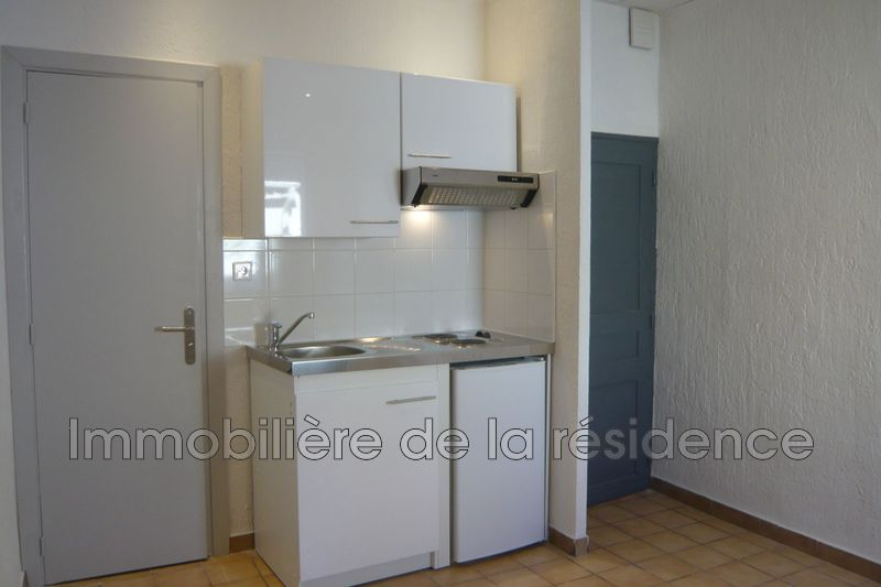 Photo Appartement Rognac Centre-ville,  Location appartement  1 pièce   13 m²