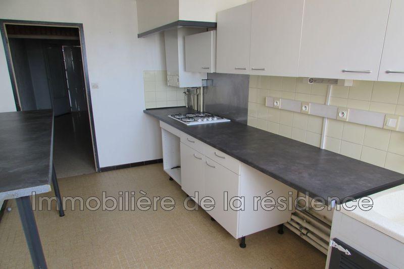 Photo Appartement Rognac  Location appartement  3 pièces   70m²