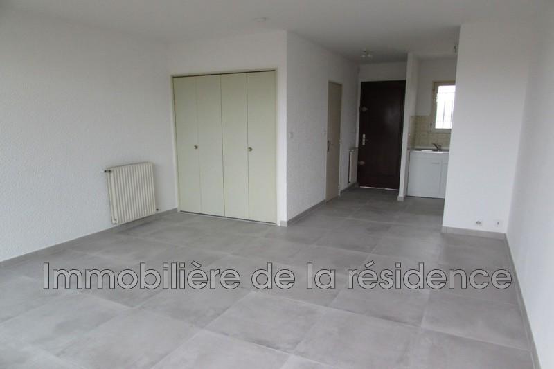 Photo Appartement Rognac Logement 6,  Location appartement  1 pièce   27m²