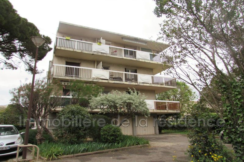 Photo Appartement Rognac 4 pins,  Location appartement  2 pièces   34 m²