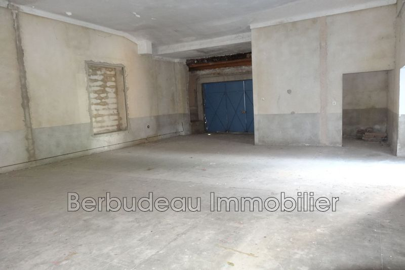 Photo n°1 - Location Garage parking Sault 84390 - 70 €