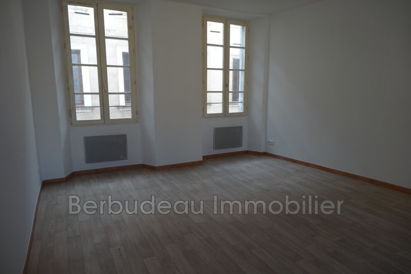 Photo n°2 - Location appartement Carpentras 84200 - 385 €