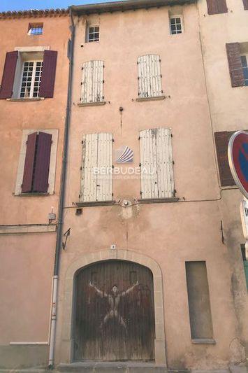 Photo n°1 - Vente Appartement immeuble Carpentras 84200 - 222 600 €