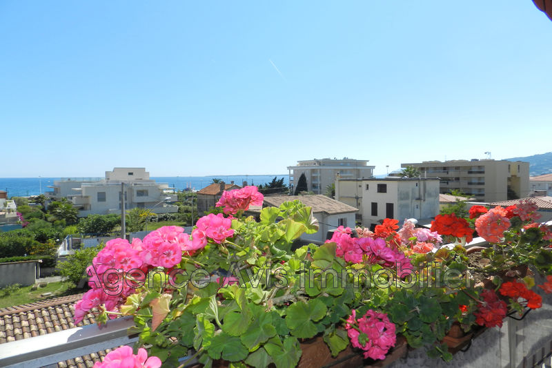 Photo Apartment Juan-les-Pins Bord de mer,   to buy apartment  3 room   67 m²