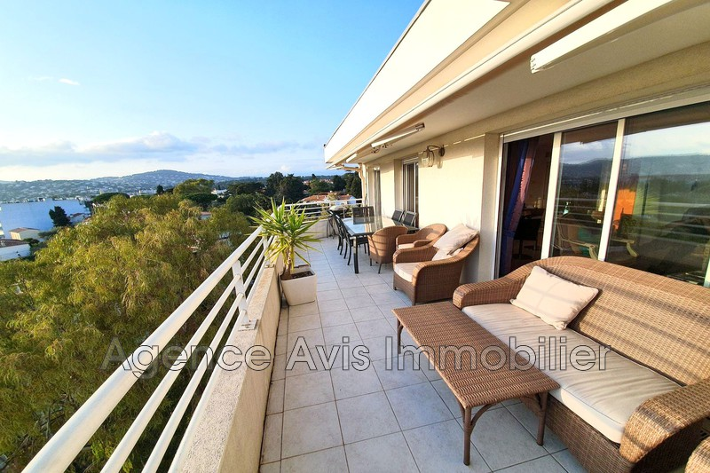 Photo n°1 - Vente appartement Juan-les-Pins 06160 - 575 000 €