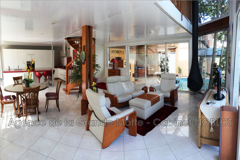 Villa La Grande-Motte   achat villa  3 chambres   200m²