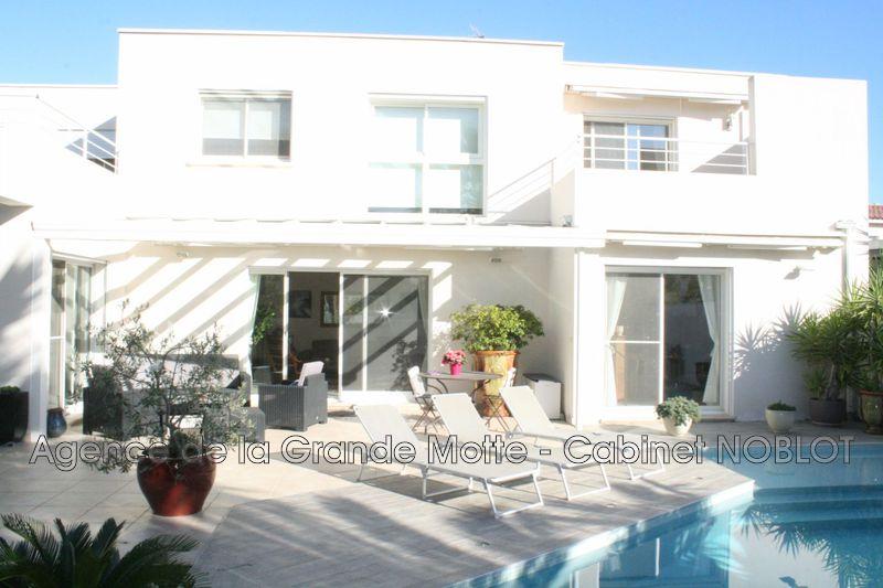 Villa La Grande-Motte   achat villa  4 chambres   230m²