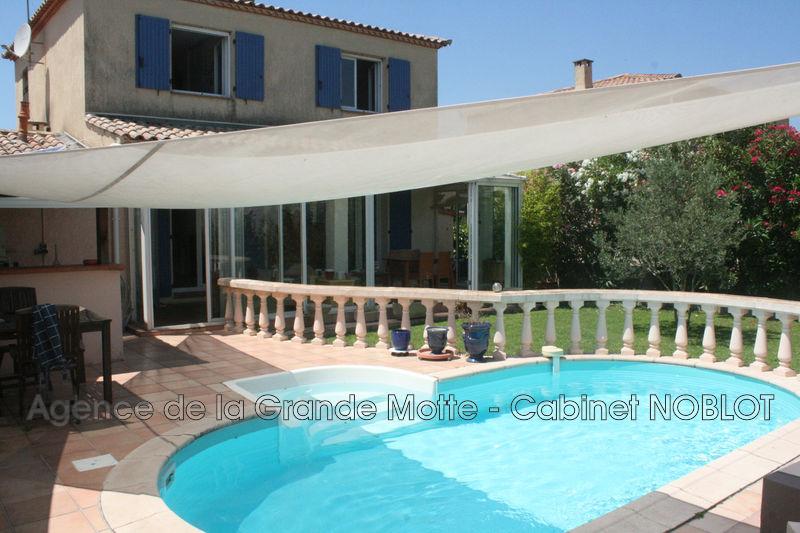 Villa Le Grau-du-Roi   achat villa  3 chambres   131m²