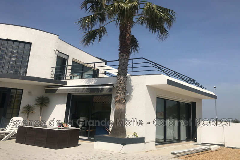 Villa Pérols   to buy villa  2 bedroom   200m²