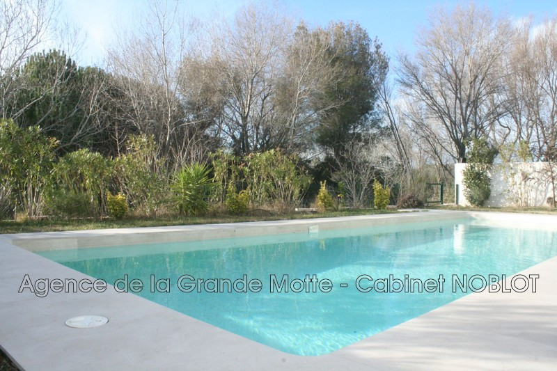 Villa La Grande-Motte   achat villa  5 chambres   220m²