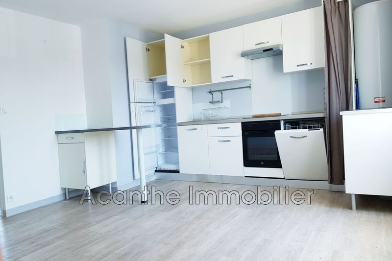 Photo Appartement Castelnau-le-Lez Centre-ville,  Location appartement  4 pièces   75 m²