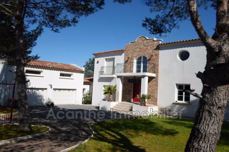 Photo Villa Saint-Jean-de-Cornies Est montpellier,   achat villa  4 chambres   228m²