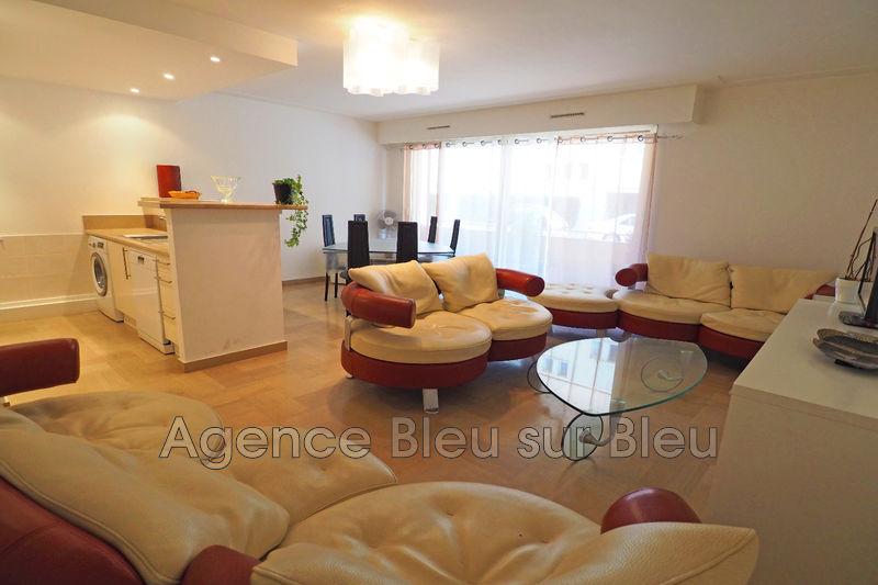 appartement  3 rooms  Antibes Downtown  71 m² -