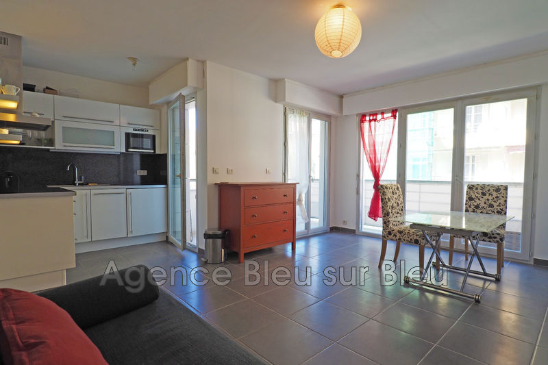 appartement  1 room  Antibes Downtown  30 m² -