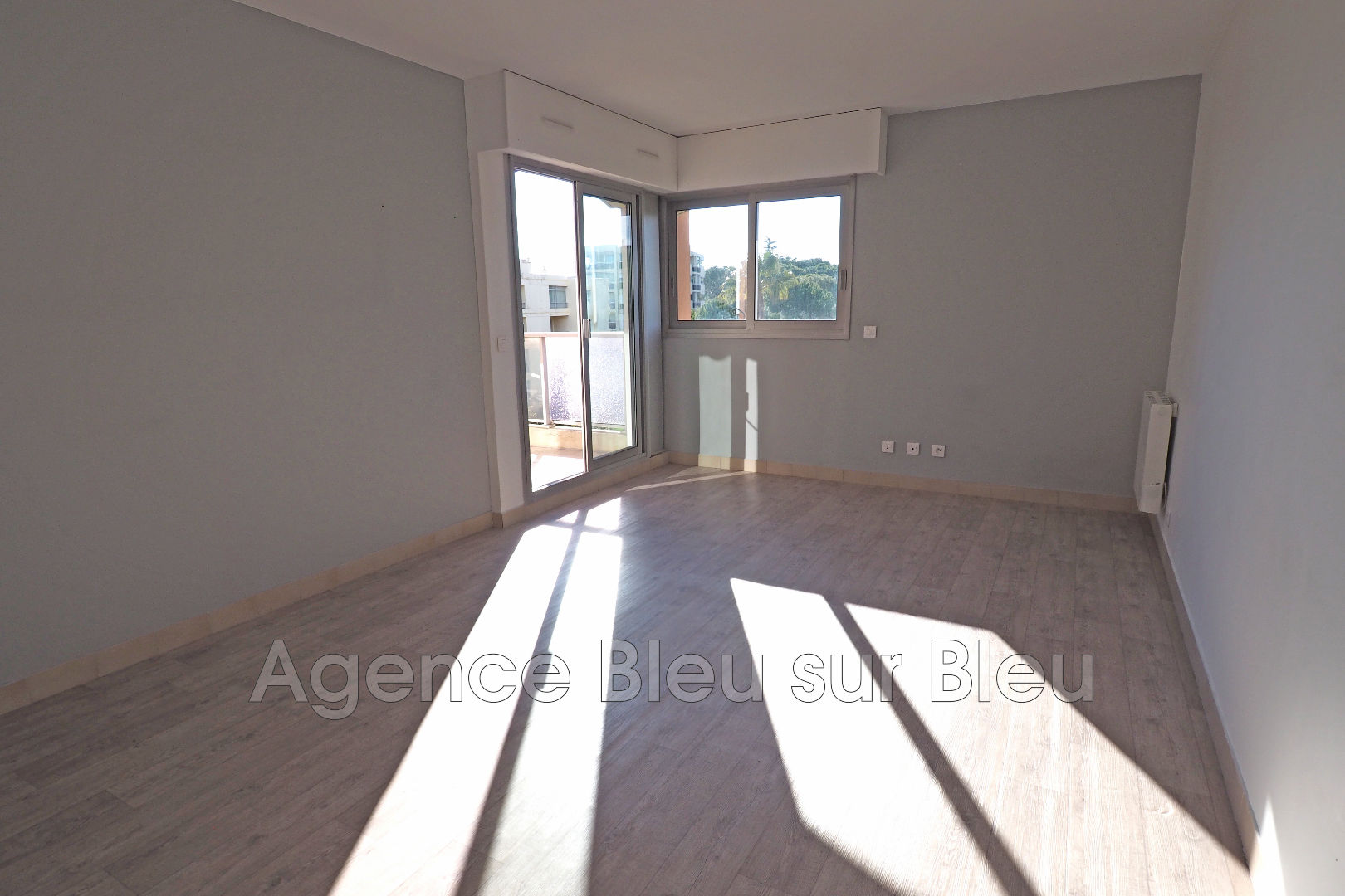 Appartement antibes rabiac achat appartement 2 pi ces 48 m for Achat maison antibes