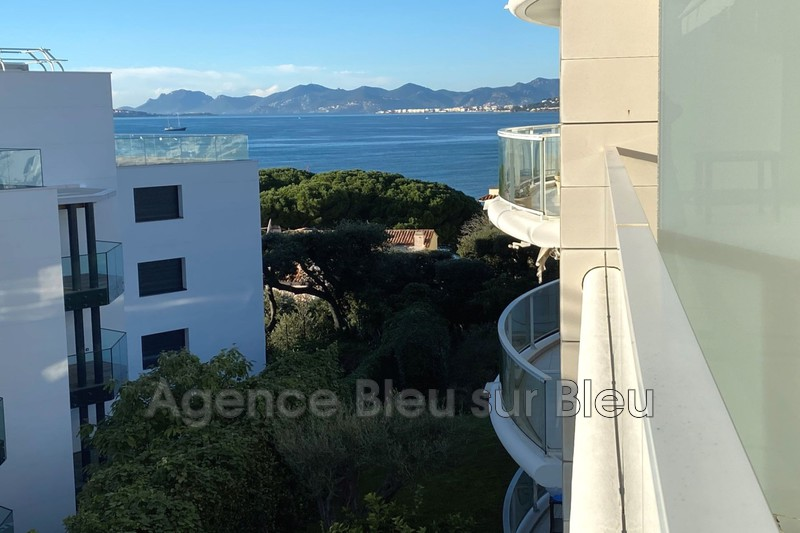 appartement  4 rooms  Juan-les-Pins Debut cap antibes  131 m² -