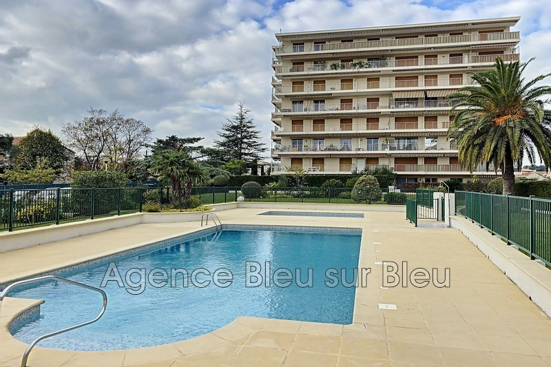 appartement  2 rooms  Antibes Breguières  33 m² -