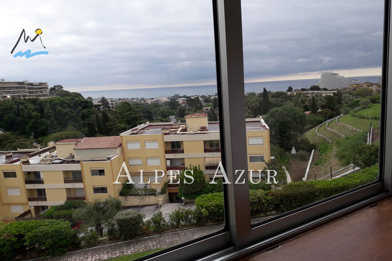 Photo n°2 - Location appartement Villeneuve-Loubet 06270 - 670 €