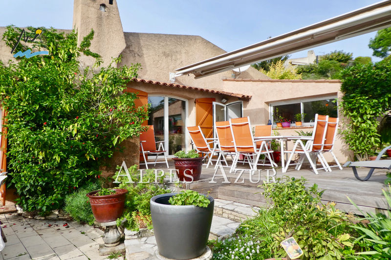 Villa Saint-Laurent-du-Var Plateaux fleuris,   to buy villa  4 bedrooms   195 m²
