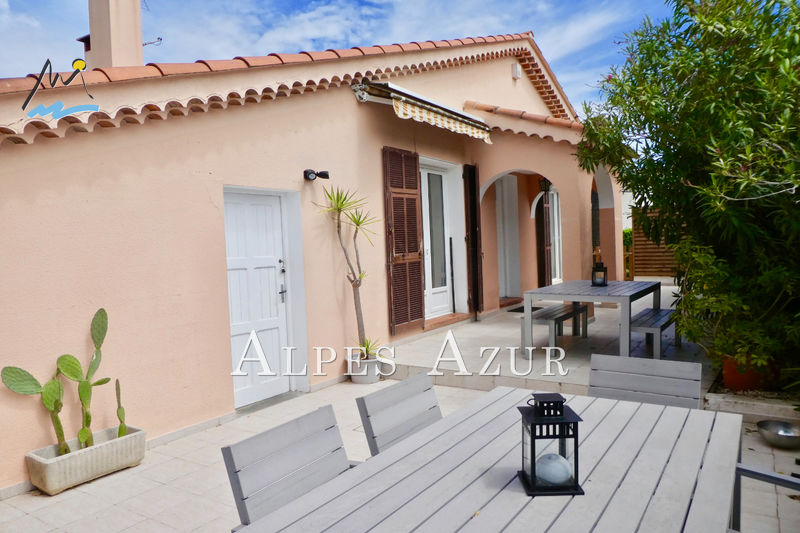 Photo Villa Cagnes-sur-Mer Proche centre ville,   to buy villa  3 bedrooms   99 m²