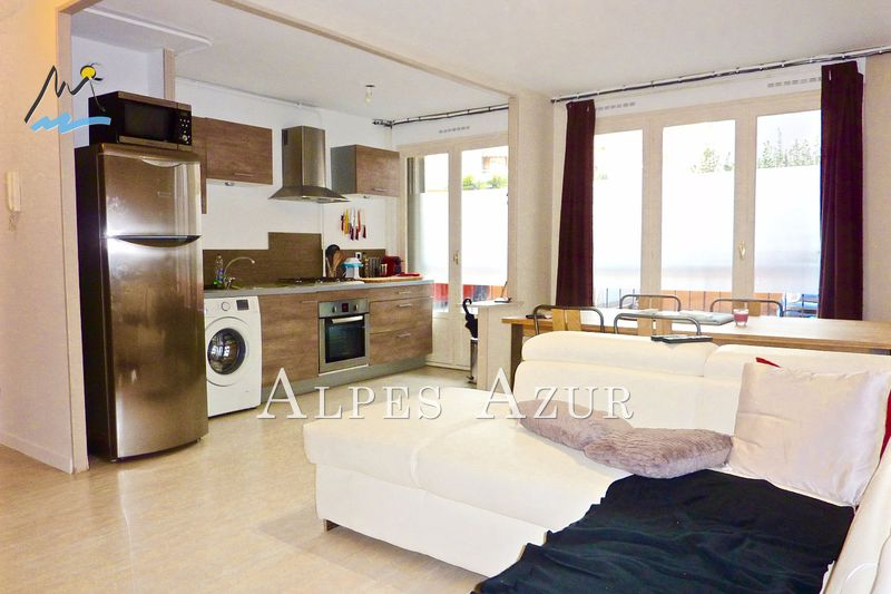 Photo Appartement Saint-Laurent-du-Var Centre ville,   achat appartement  2 pièces   43 m²