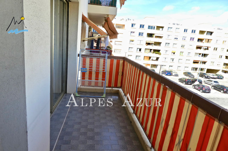 Photo Appartement Saint-Laurent-du-Var Centre ville,   achat appartement  2 pièces   57 m²