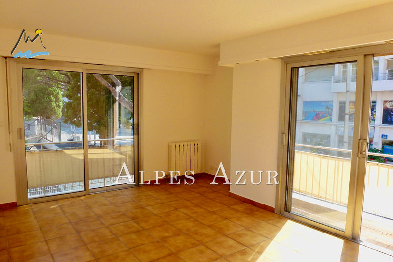 Photo Apartment Cagnes-sur-Mer Centre ville,   to buy apartment  2 rooms   42 m²