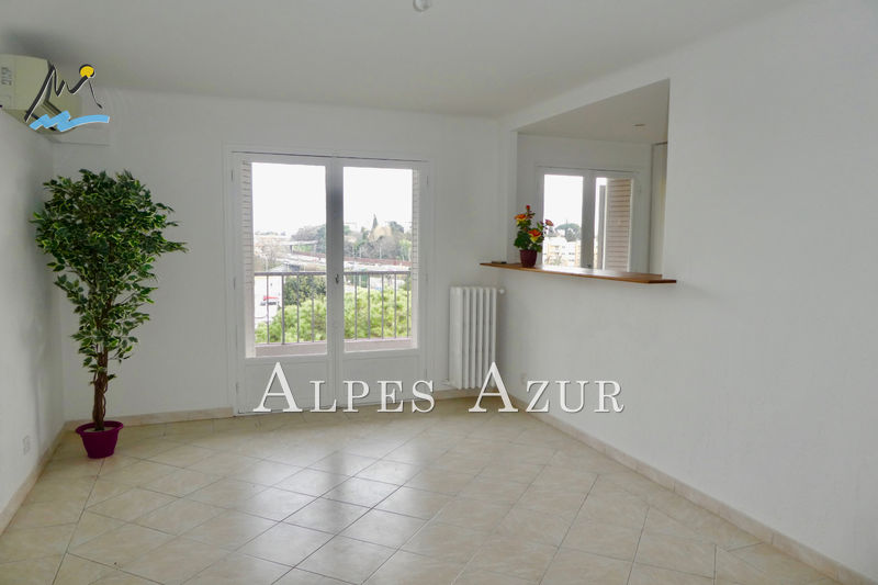 Photo Floor Cagnes-sur-Mer Centre ville,   to buy floor  3 rooms   58 m²
