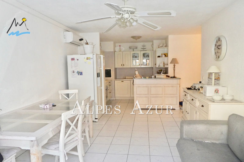 Photo n°3 - Vente appartement Cannes 06400 - 222 000 €
