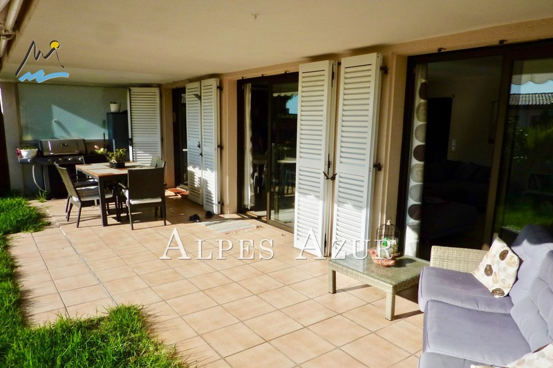 Photo n°2 - Vente Appartement rez-de-jardin Villeneuve-Loubet 06270 - 681 800 €