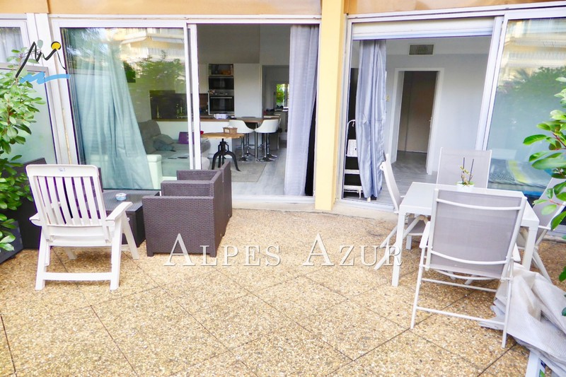 Photo Appartement Saint-Laurent-du-Var Vespins,   achat appartement  2 pièces   46 m²