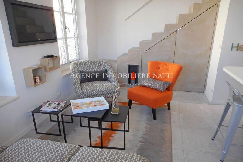 Photo Duplex Saint-Tropez Centre-ville,  Location saisonnière duplex  2 pièces   32m²